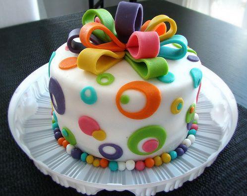 Чем торты на заказ отличаются от магазинных аналогов