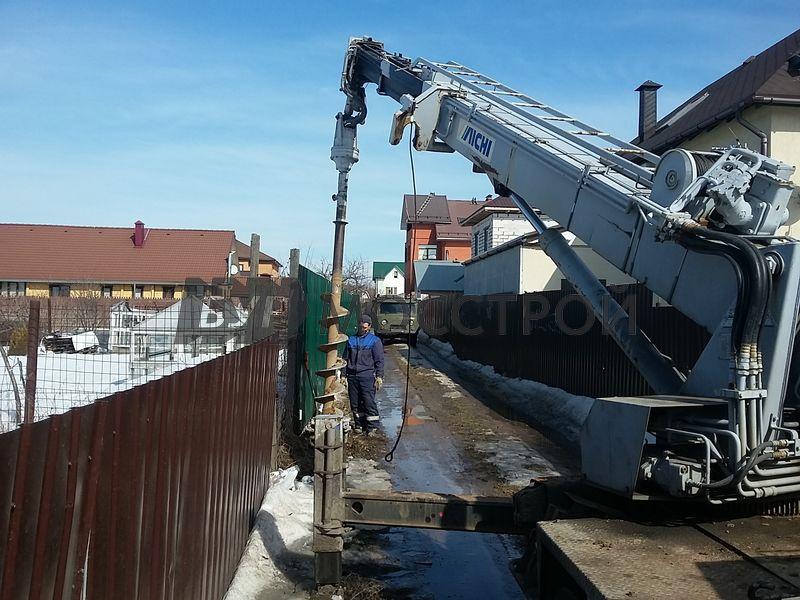 БУРМОССТРОЙ – установка и демонтаж опор ЛЭП и столбов освещения
