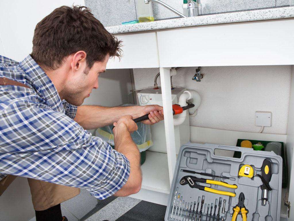 Вызов сантехника - помощь в домашних делах