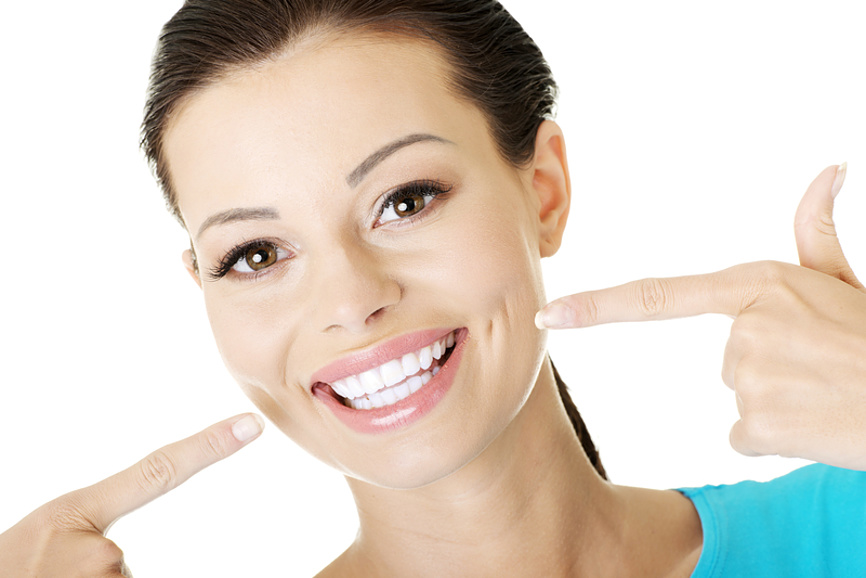 RecomenDent – выгодные условия протезирования и имплантации зубов