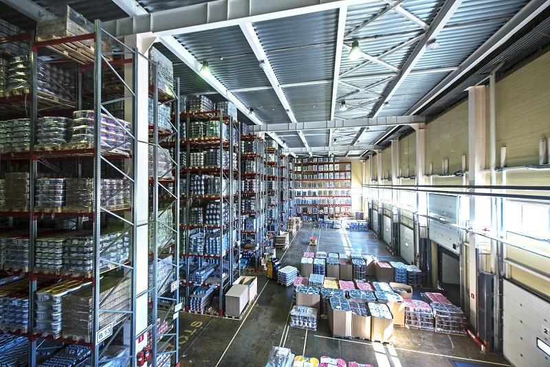Почему стоит воспользоваться услугами складского хранения товаров от компании «Вектор»