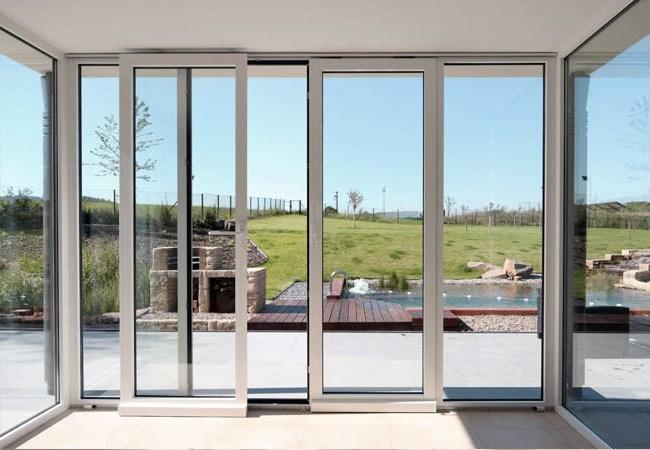 Почему раздвижные металлопластиковые двери пользуются повышенной популярностью