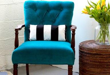 Перетяжка мягкой мебели и перетяжка стульев: как выбрать мастера?
