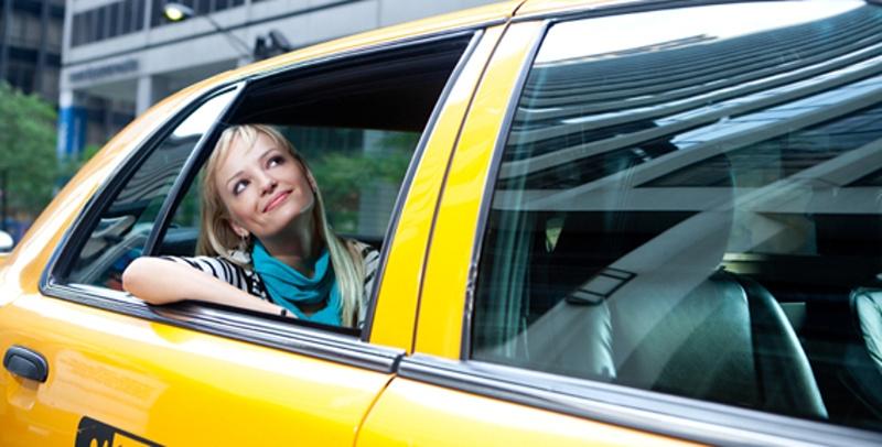 Комфортное передвижение по полуострову благодаря службе Такси Крым
