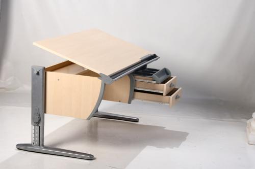 Школьный стол для первоклассника | Эрготроника