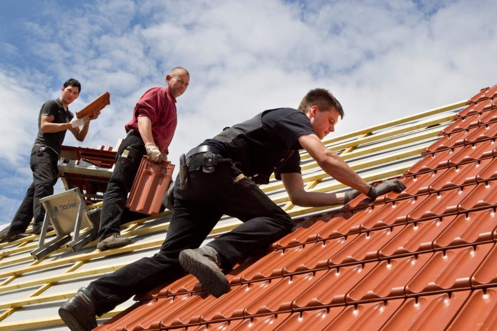 Своевременный ремонт крыши – экономия денежных средств