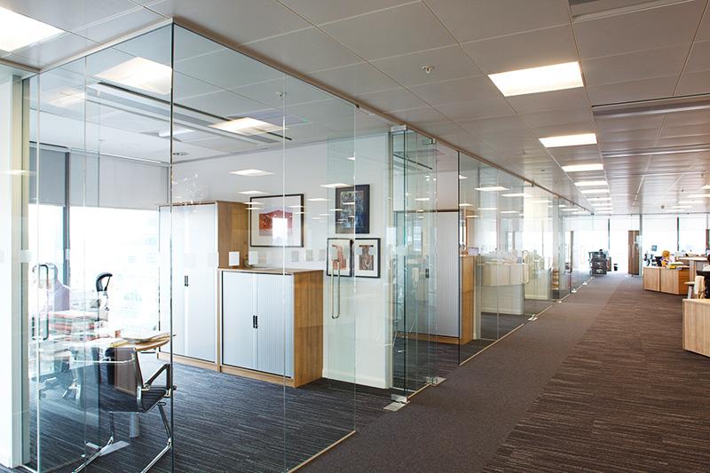 Основные виды стеклянных перегородок для помещений