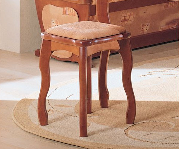 Табурет – оптимальный предмет мебели для любого помещения