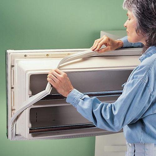 Как отремонтировать дверку холодильника